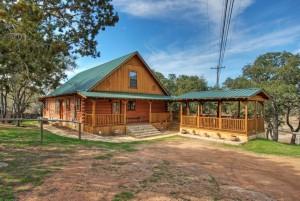 overnight accommodation at Thunderbird Lodge, Burnet County