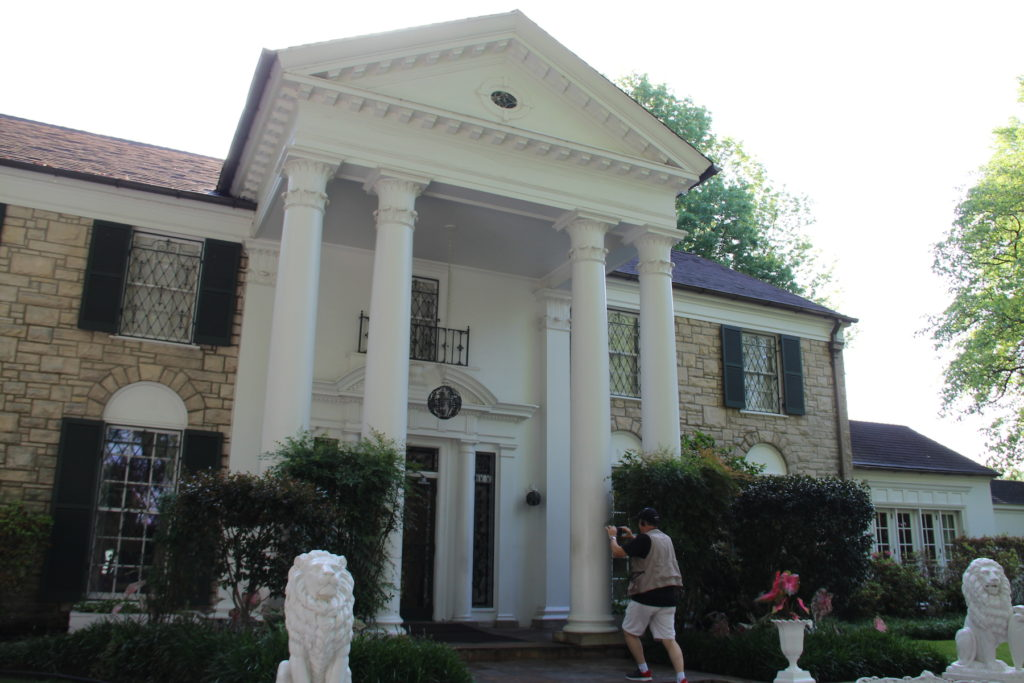 Graceland, Memphis Tennessee Photo Credit: Tom Wilmer