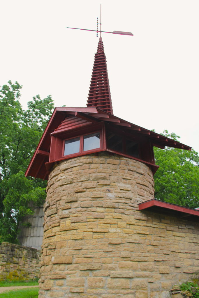 Frank Lloyd Wright's barn